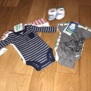 Bundle - Newborn NWT Onesies